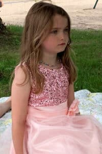 Rils with princess dress side view
